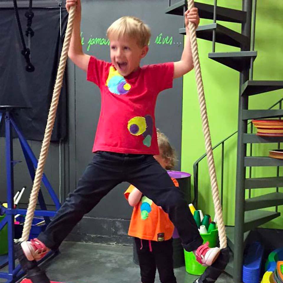 Découvrez l'école de cirque Cirq'en bulles
